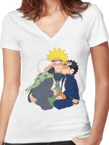 naruto cute cheek kisses Women's Fitted V-Neck T-Shirt