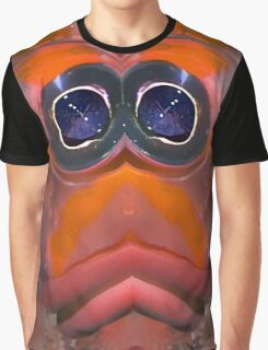 Plucky Chicken Face Alien from the Inner Verse Graphic T-Shirt