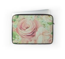 shabby chic,beautiful,rustic,vintage,roses,pink,elegant,girly,country Laptop Sleeve