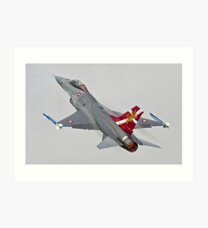 General Dynamics F-16 Fighting Falcon Art Print
