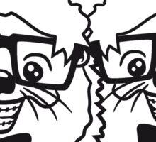 2 freunde team paar anzug fliege grinsen spange nerd geek schlau dumm intelligent freak lustig frech teenager hornbrille igel comic cartoon  Sticker