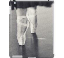 ~ en pointe ~ iPad Case/Skin
