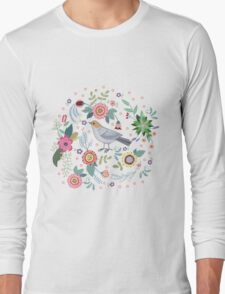 Beautiful bird in flowers Long Sleeve T-Shirt