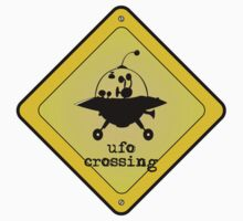 UFO crossing sign Kids Tee