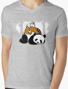 COMFY BED Mens V-Neck T-Shirt