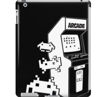 Space Invaders Minimal iPad Case/Skin