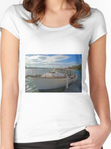 The family boat Women's Fitted Scoop T-Shirt