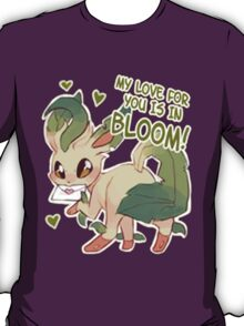 Leafeon Love T-Shirt