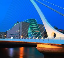 Dublin By Night by Adrian McGlynn