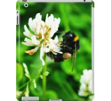 Bumblebee on Clover iPad Case/Skin