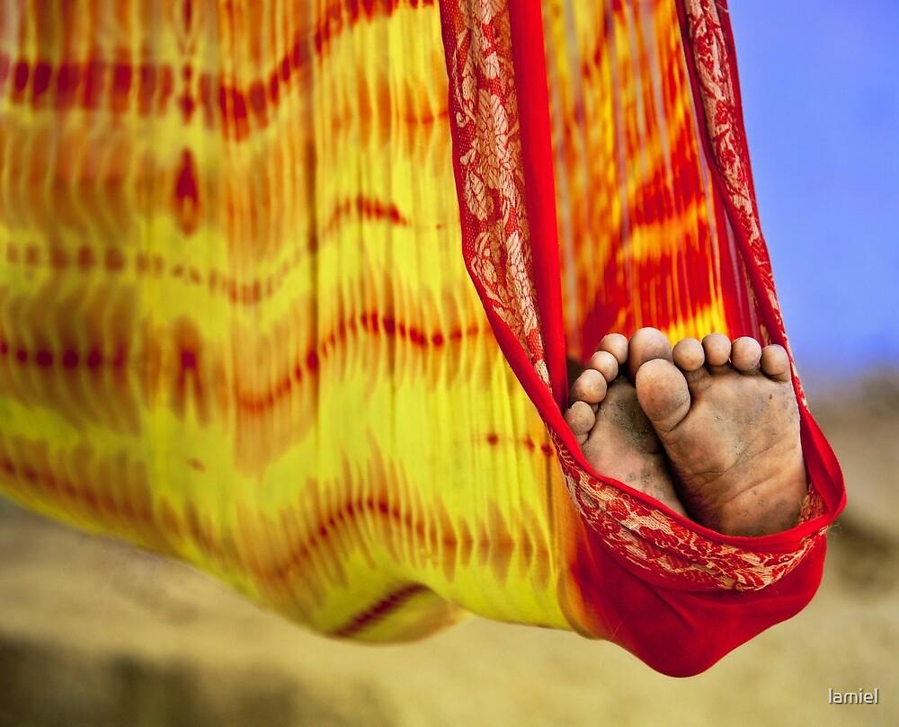 Little Feet by lamiel