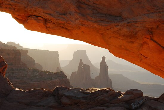 Morning at Mesa Arch by Eivor Kuchta