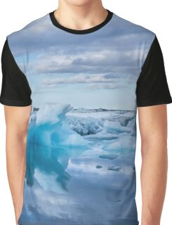 Beautiful view of icebergs in Jokulsarlon glacier lagoon, Iceland Graphic T-Shirt
