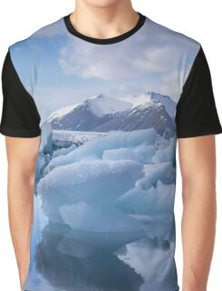 Beautiful view of icebergs in Jokulsarlon glacier lagoon, Iceland Graphic T-Shirt
