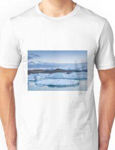 Beautiful view of icebergs in Jokulsarlon glacier lagoon, Iceland Unisex T-Shirt