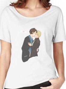 sharing a kiss Women's Relaxed Fit T-Shirt