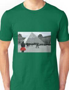 Le Louvre Unisex T-Shirt
