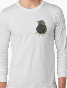 Skyrim- The Winking Skeever Bar Staff Long Sleeve T-Shirt