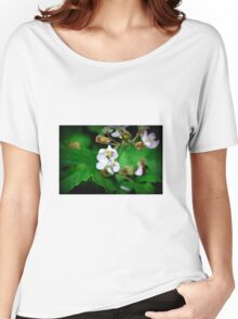 Fly on flower Women's Relaxed Fit T-Shirt