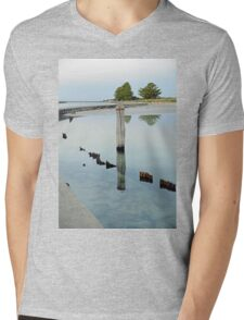 Clear Water - The Causeway - Griffiths Island Mens V-Neck T-Shirt