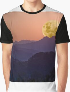 Dusty Moonset Graphic T-Shirt