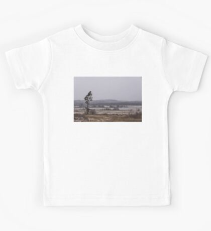 Canadian North - Lone Pine, Fields, Hills and Fresh Snow Kids Tee