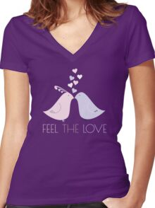 Two Cartoon Love Birds Kissing Women's Fitted V-Neck T-Shirt