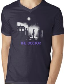 The 11th Doctor meets a new enemy. Mens V-Neck T-Shirt