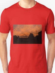 Morning dawn in the country T-Shirt