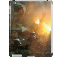 Star Wars Empire AT War jungle city iPad Case/Skin