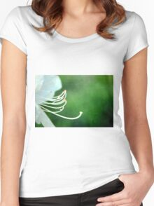 LILIE Women's Fitted Scoop T-Shirt