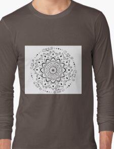 Simple black and white mandala Long Sleeve T-Shirt