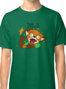 Foxes dislike carrots Classic T-Shirt