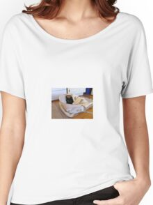 Laundry Bag Becomes The Cats New Snuggle Spot Women's Relaxed Fit T-Shirt