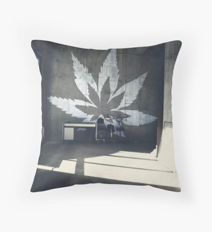 Hanf Style Throw Pillow