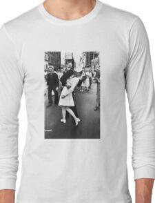 VJ Day Times Square Kiss Long Sleeve T-Shirt