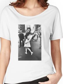 VJ Day Times Square Kiss Women's Relaxed Fit T-Shirt