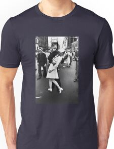 VJ Day Times Square Kiss Unisex T-Shirt