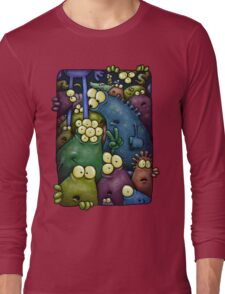 A crowd of chest dwelling aliens ... Long Sleeve T-Shirt