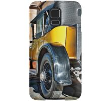 Gold Cadillac at Carrick Hill on a Duvet Cover Samsung Galaxy Case/Skin