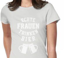 Echte Frauen Trinken Bier T-Shirt