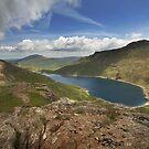 Llyn Llydaw Snowdonia by eddiej