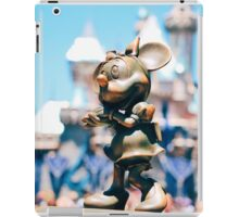 Minnie Mouse with Diamond Castle Background  iPad Case/Skin