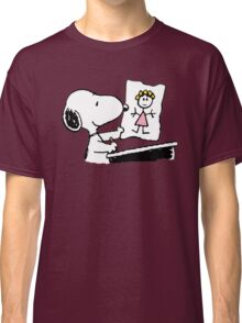 snoopy drawing love Classic T-Shirt