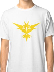 Team Instinct Pokemon GO! Classic T-Shirt