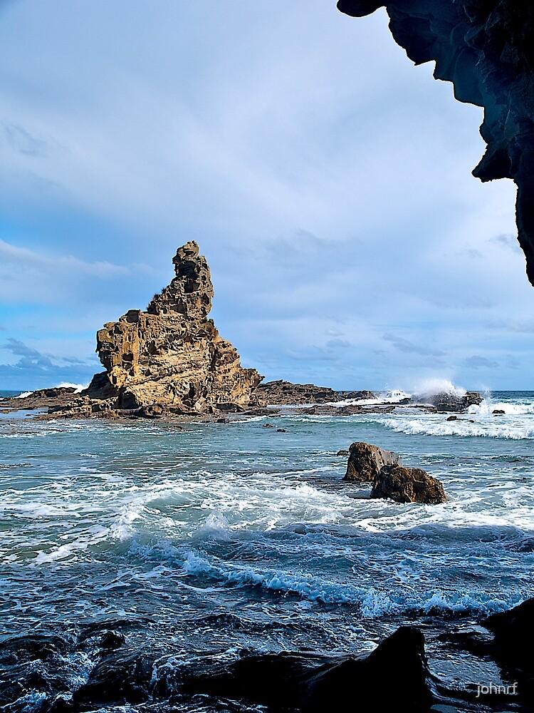 Australia Rock (Eagle's Nest), Inverloch, Victoria. by johnrf