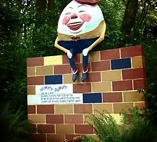 Humpty Dumpty by thedustyphoenix