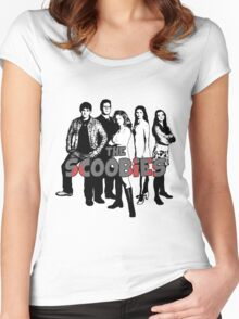 BTVS CAST (S1): The Scoobies! Women's Fitted Scoop T-Shirt