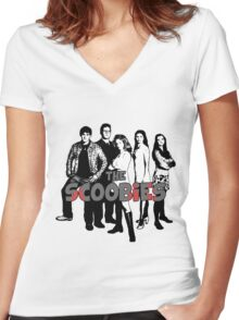 BTVS CAST (S1): The Scoobies! Women's Fitted V-Neck T-Shirt