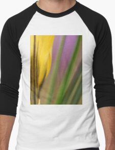 First flowers of the year in macro Men's Baseball ¾ T-Shirt